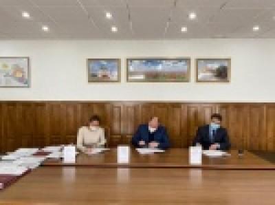 В столичной Администрации сегодня состоялось подписание трёхстороннего отраслевого Соглашения в сфере образования города Элисты