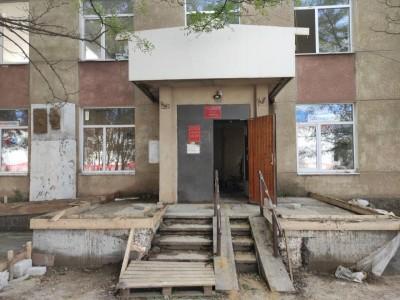 Полным ходом идут работы по модернизации библиотеки им. А. Балакаева