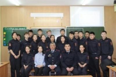 Учащиеся полицейского класса приняли участие в уроке мужества, посвященного памяти воинов-интернационалистов
