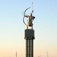 Памятник герою калмыцкого эпоса «Хонгор - Алый Лев»