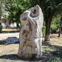 Скульптура «Джангар и Хонгор»
