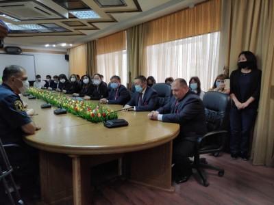 В столичной Администрации с соблюдением всех мер безопасности состоялось торжественное собрание, посвященное 156-й годовщине калмыцкой столицы