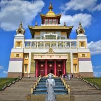 Храм «Золотая обитель Будды Шакьямуни»