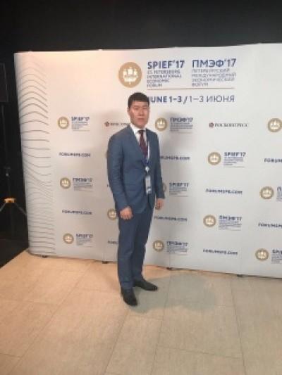 Глава Администрации города Элисты Окон Нохашкиев принимает участие в Петербургском международном экономическом форуме (ПМЭФ-2017)